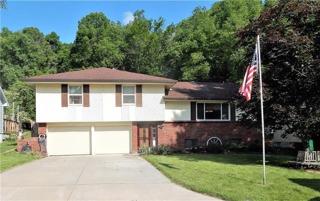 5018 NW Woody Creek Lane, Kansas City, MO 64151