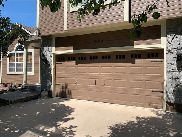 704 Garnes Street , Raymore, MO 64083