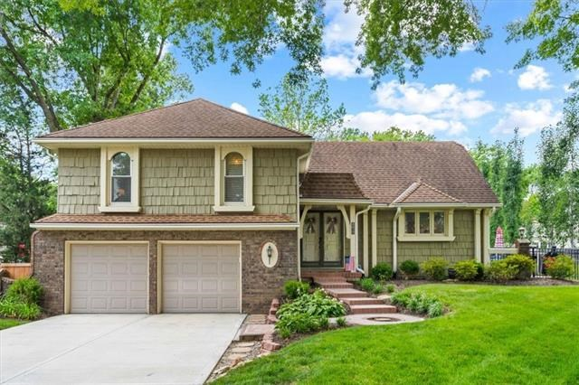 8817 W 104 Terrace, Overland Park, KS 66212