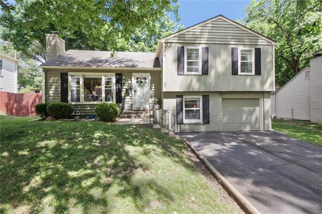 7631 Windsor Street , Prairie Village, KS 66208