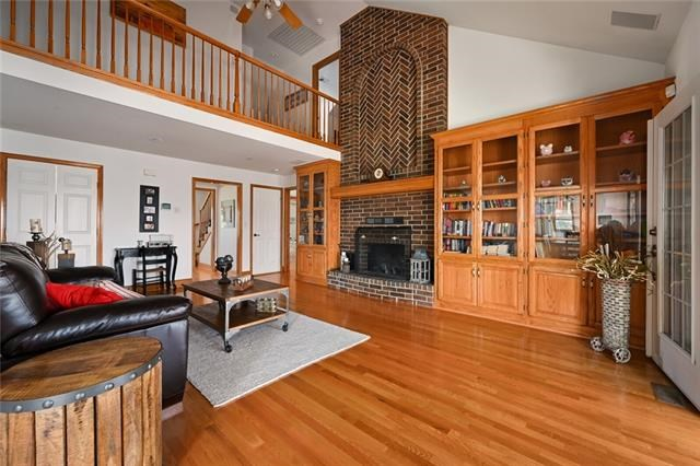 90 Old View High Drive, Lee's Summit, MO 64081