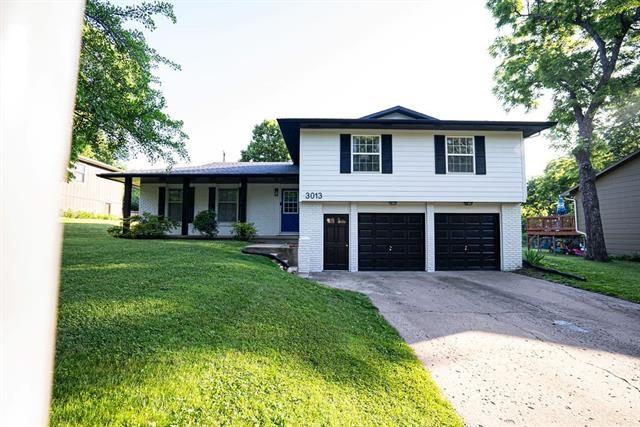 3013 Topeka Lane, Lawrence, KS 66047