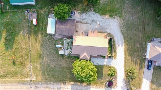 37 291st Road, Centerview, MO 64019