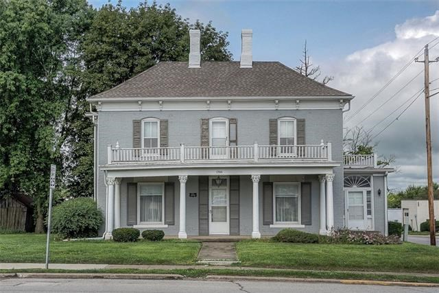 1900 Walnut Street, Higginsville, MO 64037