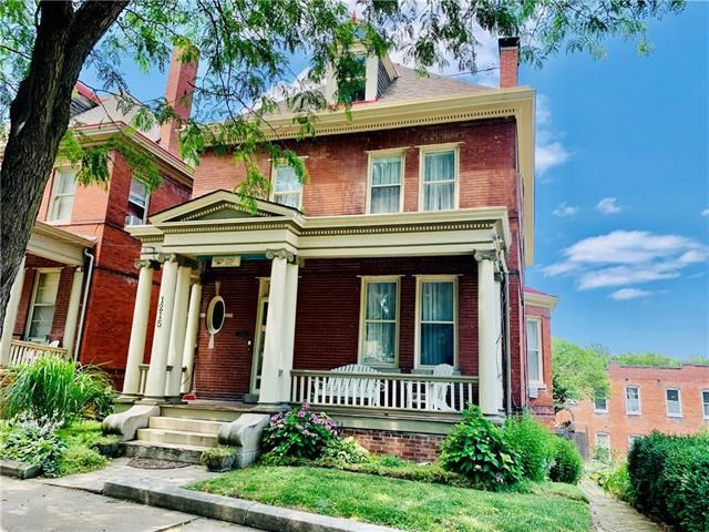1215 Charles Street, St Joseph, MO 64501