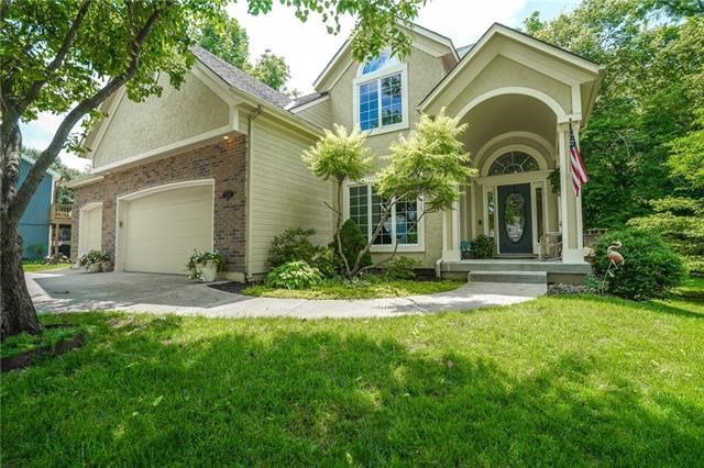 18204 Rollins Drive, Smithville, MO 64089
