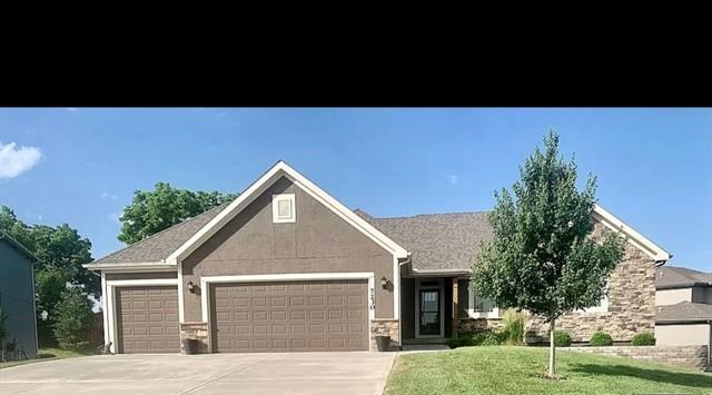 7230 NW Lundergan Court, Parkville, MO 64152