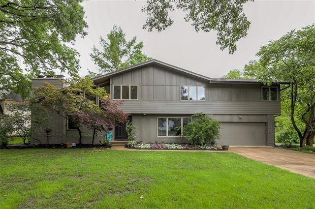 8800 W 104th Terrace, Overland Park, KS 66212