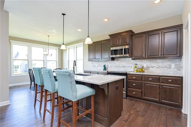 7465 NW Chambers Street, Parkville, MO 64152