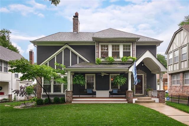 427 GREENWAY Terrace, Kansas City, MO 64113