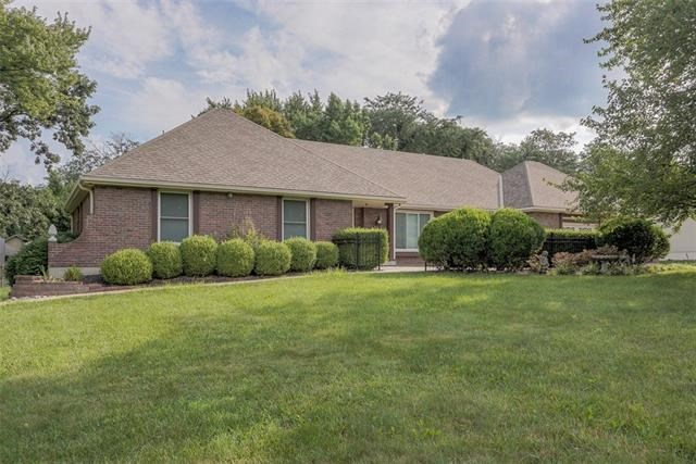 3901 NW Valleyview Road, Blue Springs, MO 64014