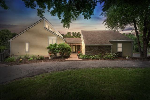 11945 Arbor View Lane, Olathe, KS 66061