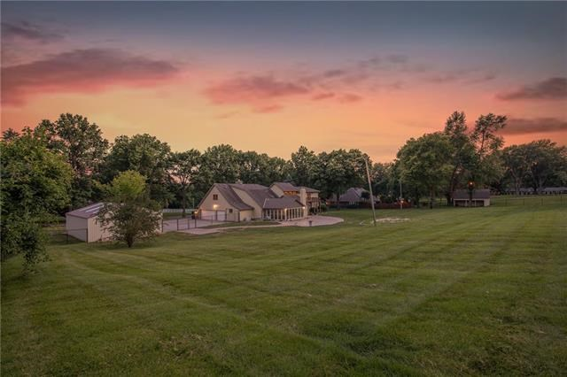 3225 NW 51ST Terrace, Blue Springs, MO 64015