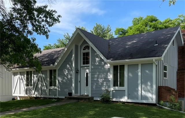 10604 NW Verlin Drive, Parkville, MO 64152