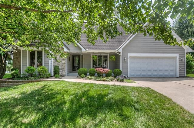 808 Stock Court, Blue Springs, MO 64014