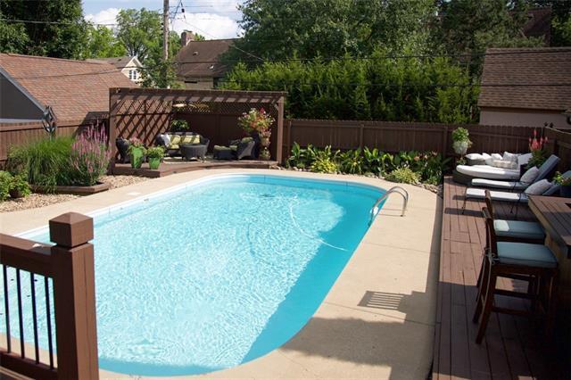 433 W 68 Terrace , Kansas City, MO 64113