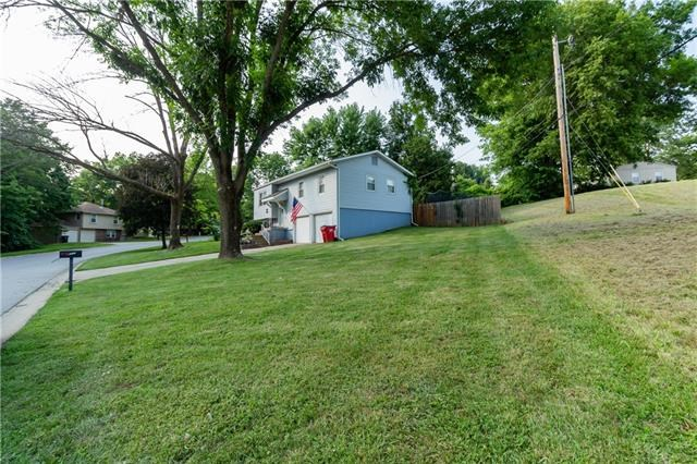 305 N Speck Avenue, Independence, MO 64056