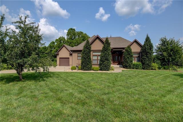 1002 Country Terrace Circle, Butler, MO 64730