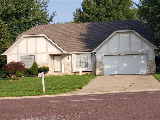 10446 Earnshaw Street, Overland Park, KS 66215