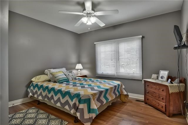 6135 NW Hickory Place, Parkville, MO 64152