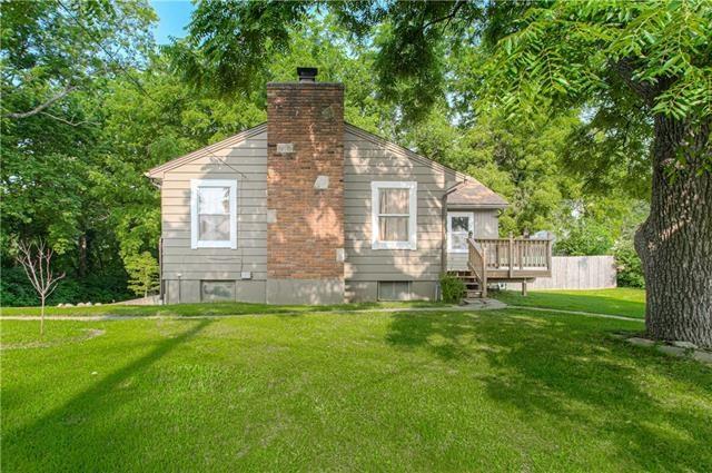 160 Novak Street, Sugar Creek, MO 64054