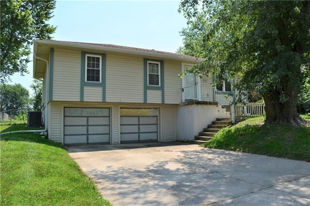 1207 SE Royal Street, Oak Grove, MO 64075