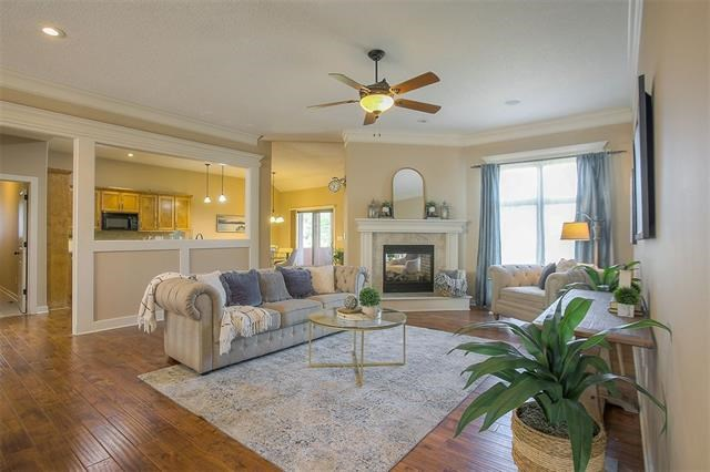 4004 SW Benziger Drive, Lee's Summit, MO 64082