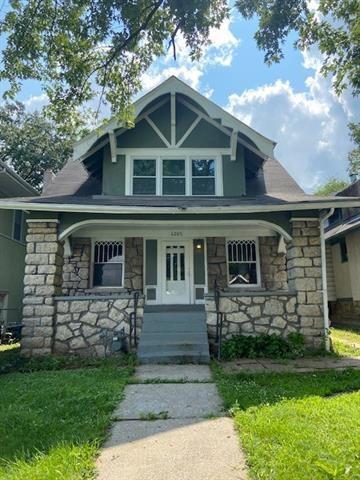 4205 Montgall Avenue, Kansas City, MO 64130