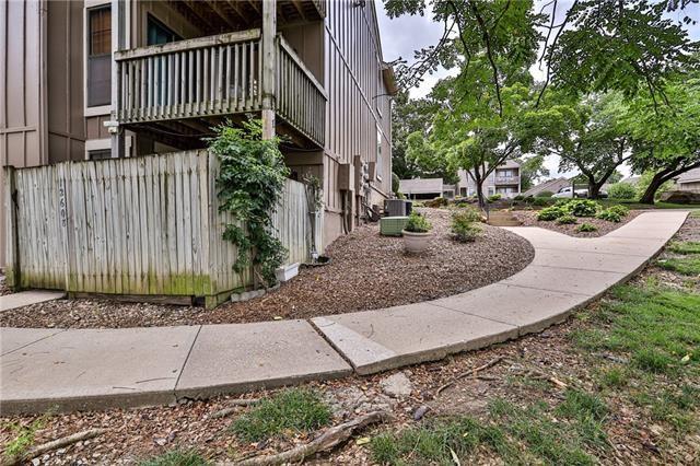 12608 110 Terrace, Overland Park, KS 66210