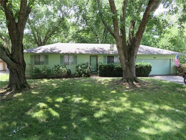 200 Linden Circle, Perry, KS 66073