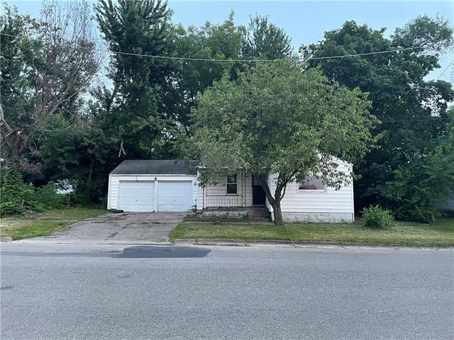 912 E 6th Street, Fort Scott, KS 66701