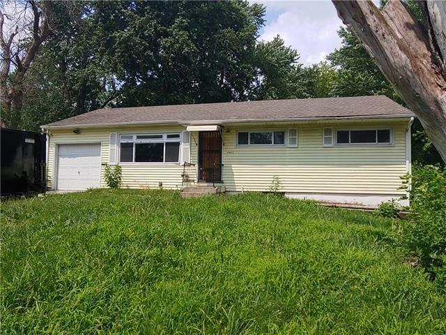 10822 Ewing Avenue, Kansas City, MO 64134