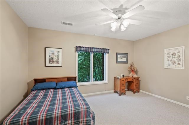 2228 SW Waterfall Place, Lee's Summit, MO 64081