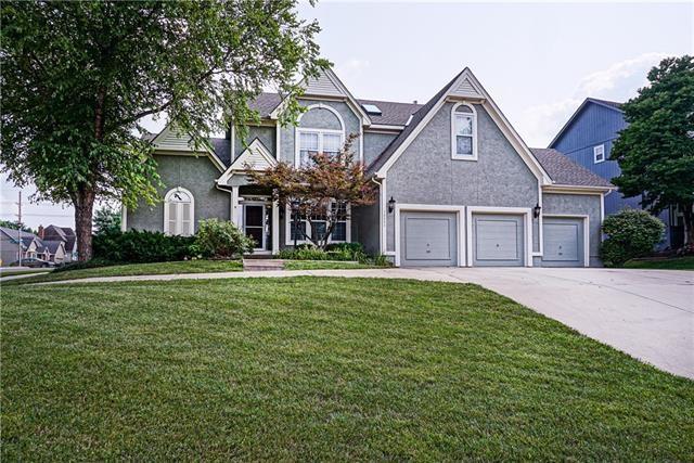 10003 W 126th Terrace, Overland Park, KS 66213