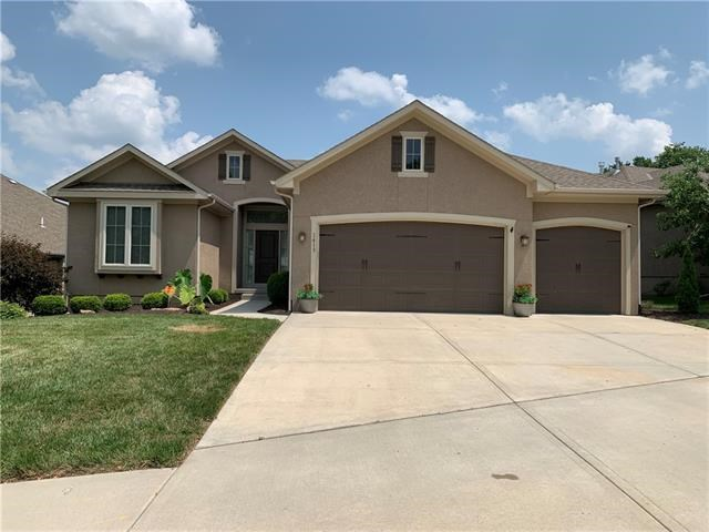 1413 SW Heartwood Terrace, Lee's Summit, MO 64081