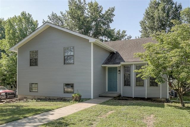 401 Brookwood Street, Lansing, KS 66043