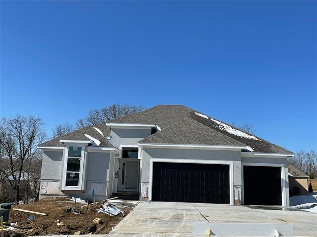 7420 NW Douglas Court, Parkville, MO 64152