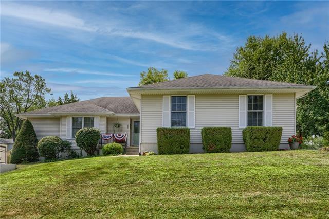 203 Oakwood Avenue, Excelsior Springs, MO 64024