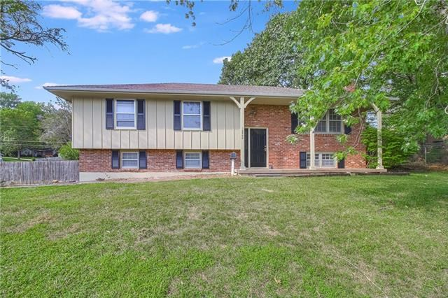 15500 E 44th Terrace, Independence, MO 64055