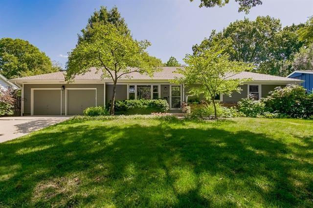 8731 Reeds Road, Overland Park, KS 66207