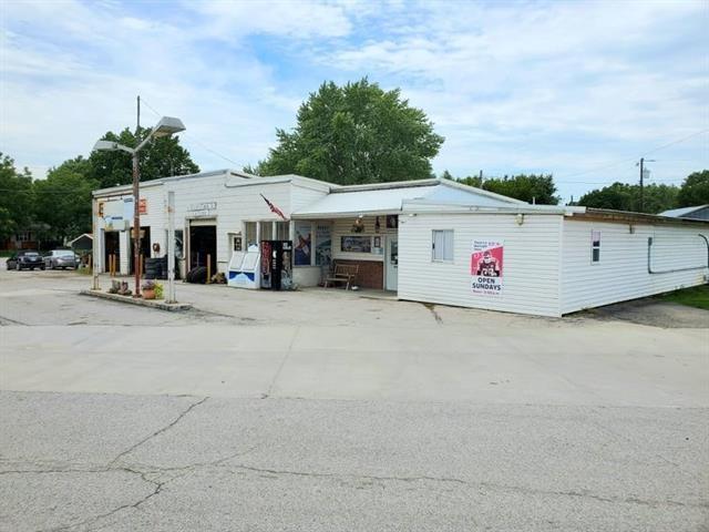 1019 main Street, Pleasanton, KS 66075
