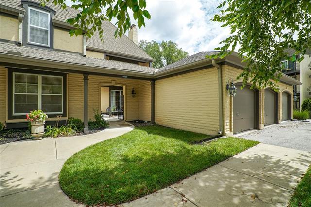 6643 W 108th Terrace , Overland Park, KS 66211