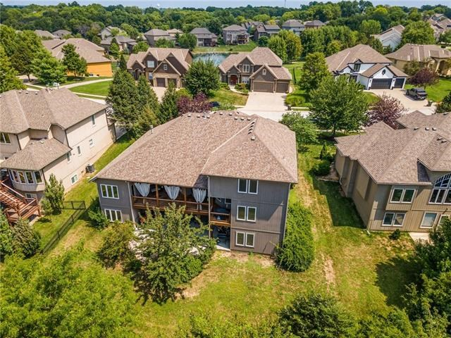 6640 NW Hickory Drive, Parkville, MO 64152