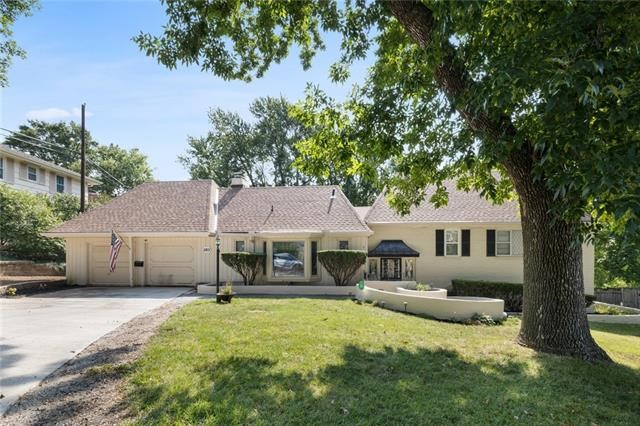 2801 Cheyenne Circle, North Kansas City, MO 64116
