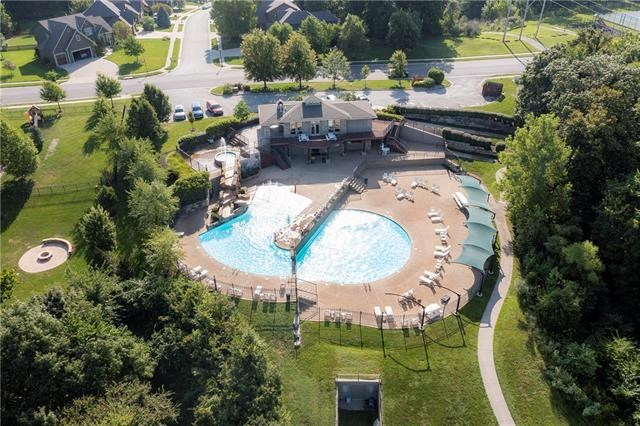 15012 NW 66th Street, Parkville, MO 64152