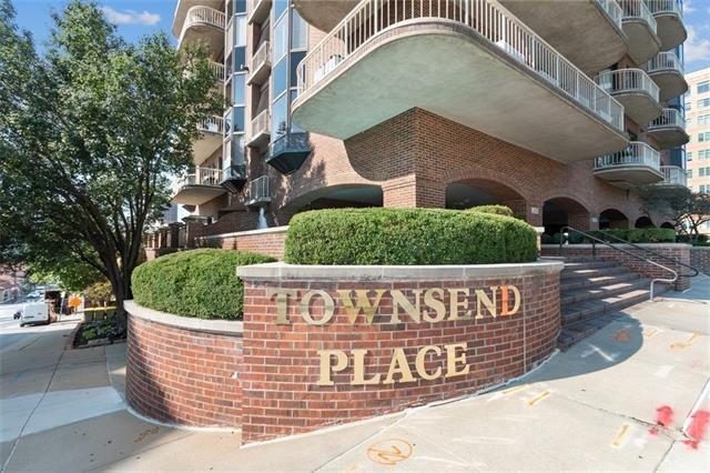 411 W 46th Terrace Unit 202, Kansas City, MO 64112
