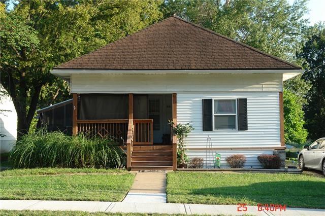 511 W CEDAR Street, Olathe, KS 66061