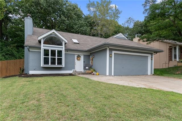 10402 NW 57th Terrace, Parkville, MO 64152