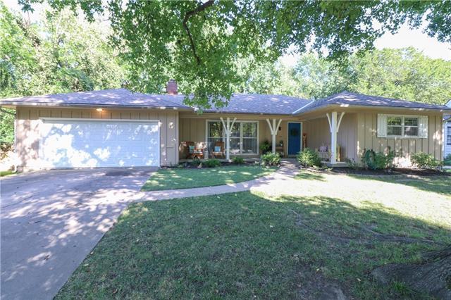 7631 Santa Fe Drive , Overland Park, KS 66204