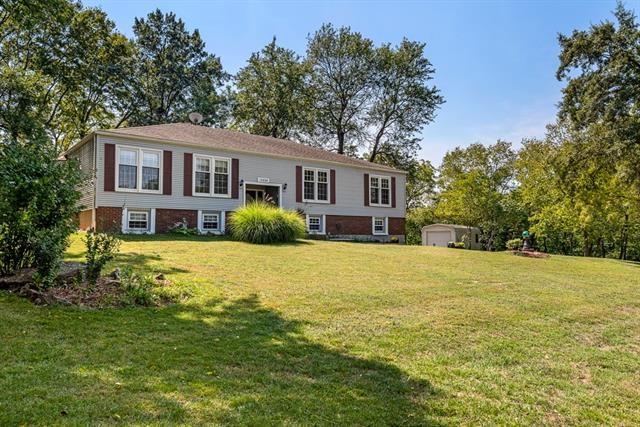13895 Lakeshore Terrace, Olathe, KS 66061